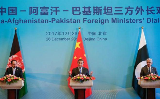 China asegura que sus alianzas no buscan aislar a India