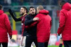 Milan se quedó con el clásico y es semifinalista