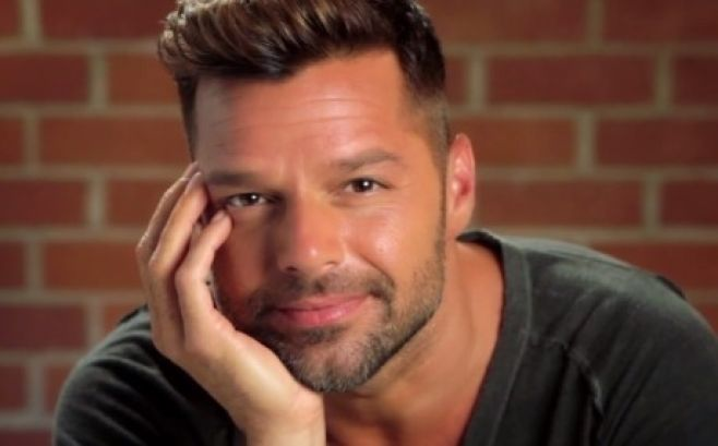 Ricky Martin demuestra sus dotes de bailarín de bomba en Puerto Rico