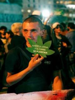 Venta de marihuana, cambio de vicepresidente y UPM, temas de 2017 en Uruguay