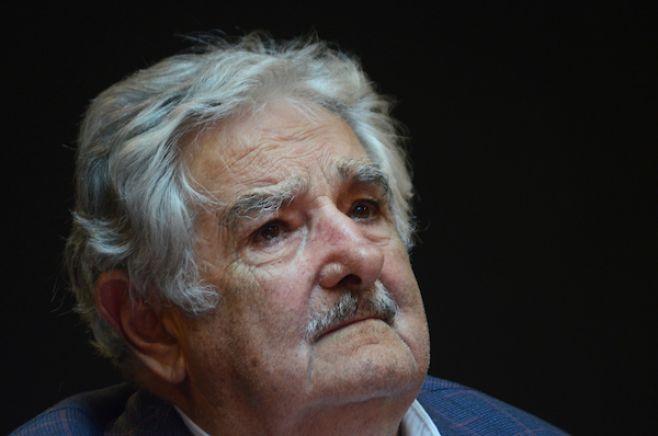 Presidente de Colombia y líderes de FARC se reúnen este jueves; esperan a Mujica