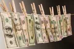 Con ciegos, sordos y mudos no se puede combatir el lavado de dinero