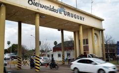 Flujo de vehículos en puentes fronterizos entre Argentina y Uruguay aumentó 23 %