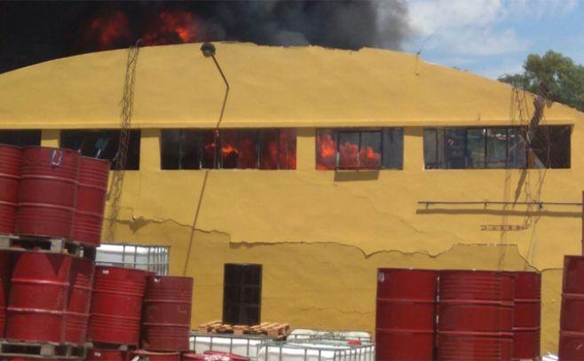 Explosión e incendio en una fábrica de refinado de grasa en Montevideo