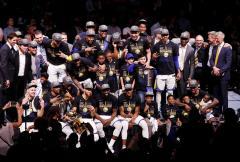 Curry y Durant dan nuevo título a unos Warriors de dinastía