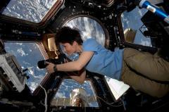 "La astronauta Cristoforetti: La luna será paso intermedio al ""sueño"" marciano"