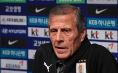 Tabárez dice que no se puede comparar a este Uruguay con el de Rusia 2018