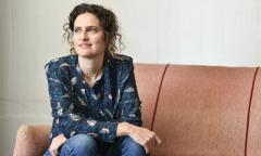 La hija de Macri revive en Italia los sueños anarquistas de Soledad Rosas
