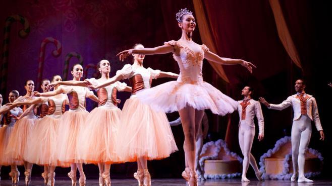Ballet uruguayo rinde homenaje a Cervantes con su interpretación del Quijote