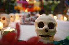 Embajada de México celebra el Día de los Muertos con poemas