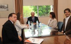 Vázquez se reunión con exportadores y empresarios