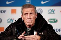 Tabárez no cree que Cavani tenga una mala relación con Mbappé y Neymar