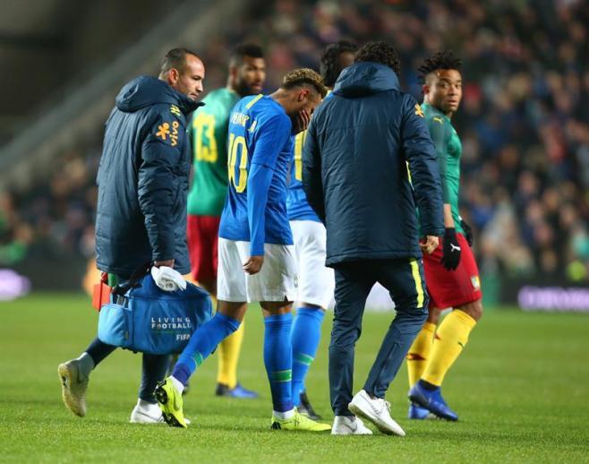 Neymar sufre una elongación y Mbappé una contusión