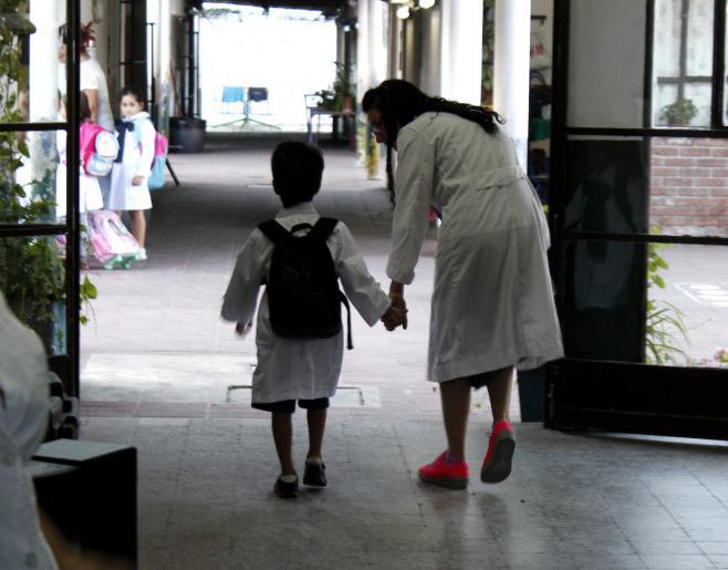 50.000 niños no van a la escuela todos los días