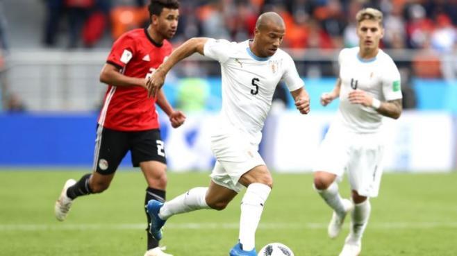 """Carlos Sánchez: """"Se disfruta viajar con la selección, pero a nadie le gusta no jugar"""""""