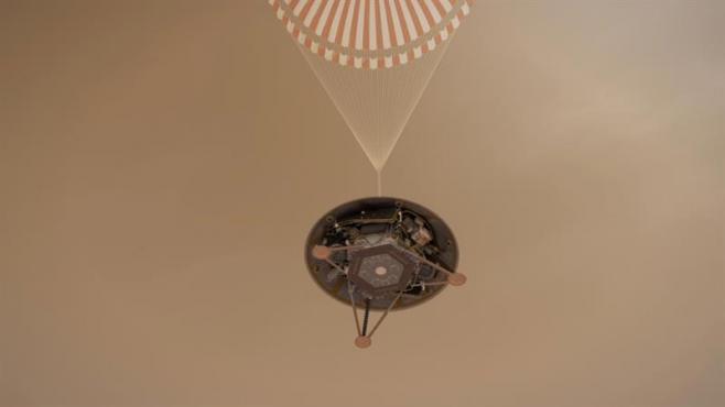 Módulo espacial InSight de la NASA aterriza con éxito en Marte