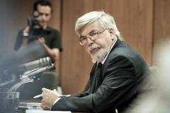 La oposición pedirá censura a Bonomi