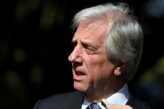 Uruguay pide a Alan García que se retire de su embajada en Lima