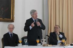 Uruguay debe impulsar la inversión privada, dice Astori
