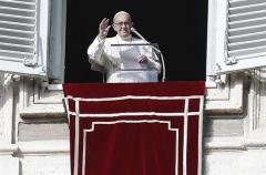 El papa pide que se respeten los derechos humanos de las familias migrantes