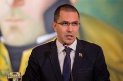 Venezuela pide a embajadores respetar al Gobierno o marcharse