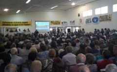 Los 800 productores lecheros solicitaron a la asamblea tomar medidas de lucha