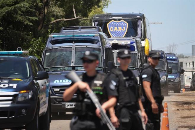 Autoridades expedirán 'pasaporte' a los hinchas para combatir a los violentos