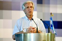 Vázquez: Uruguay no está ni estará en recesión