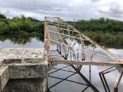 Puente de Sarandí del Yi se derrumbó tras choque de camión