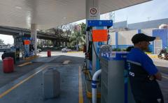 "López Obrador dice que ""poco a poco"" se normalizará abasto de gasolina"
