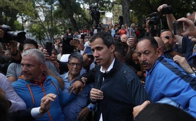 """Guaidó quiere """"rematar el trabajo"""" y echar a Maduro de forma pacífica"""