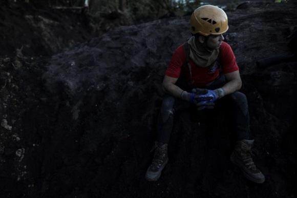 Sube a 65 el número de víctimas confirmadas por tragedia minera en Brasil