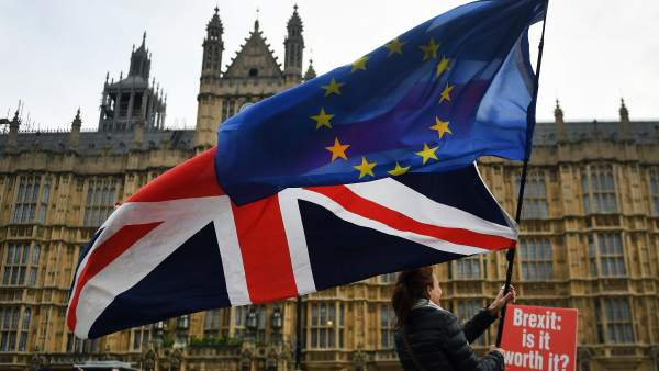 El Parlamento rechaza la enmienda que proponía votar por otro referéndum